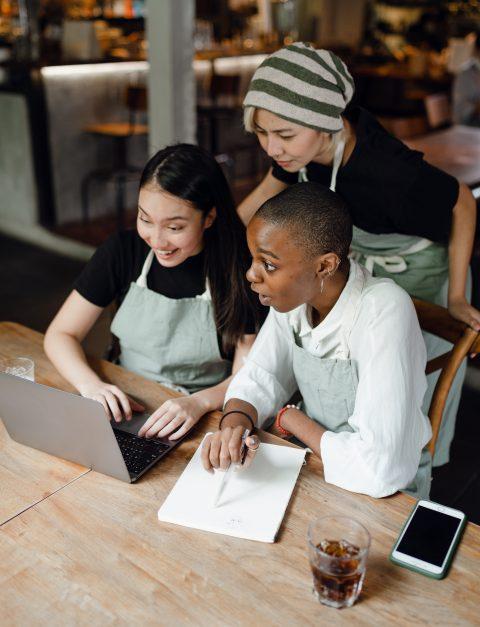 Работайте с клиентами над их проектами